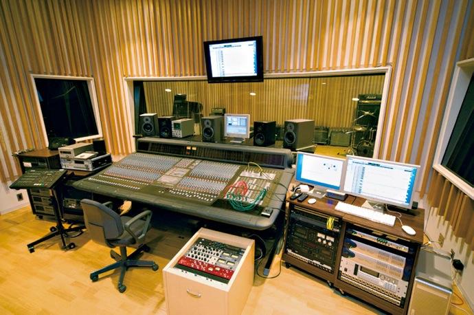 Recording Studio 690