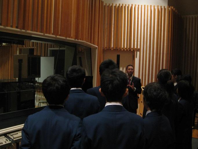 有名映画のサウンドトラックの収録も行われる「レコーディングスタジオ」